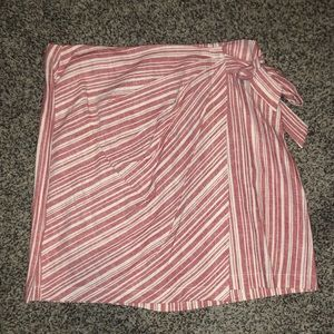 BP skirt size large. New w/tags